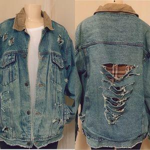 Distressed/Destroyed Denim jean jacket SzL unisex